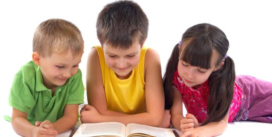 kids-reading-book